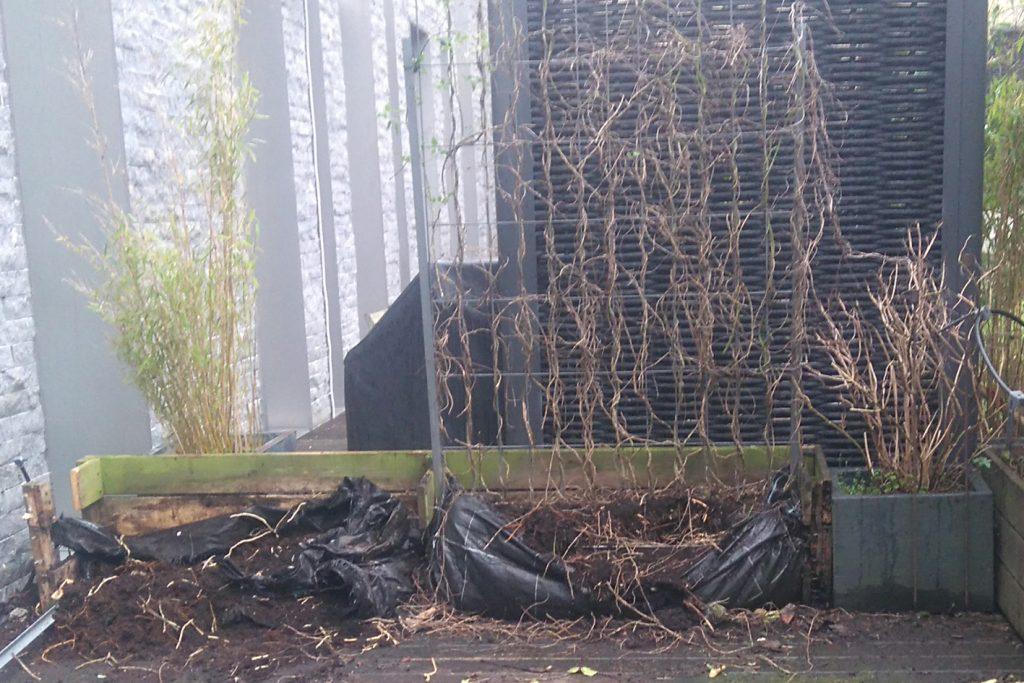 Jardinière qui a rompu dû au pourrissement du bois